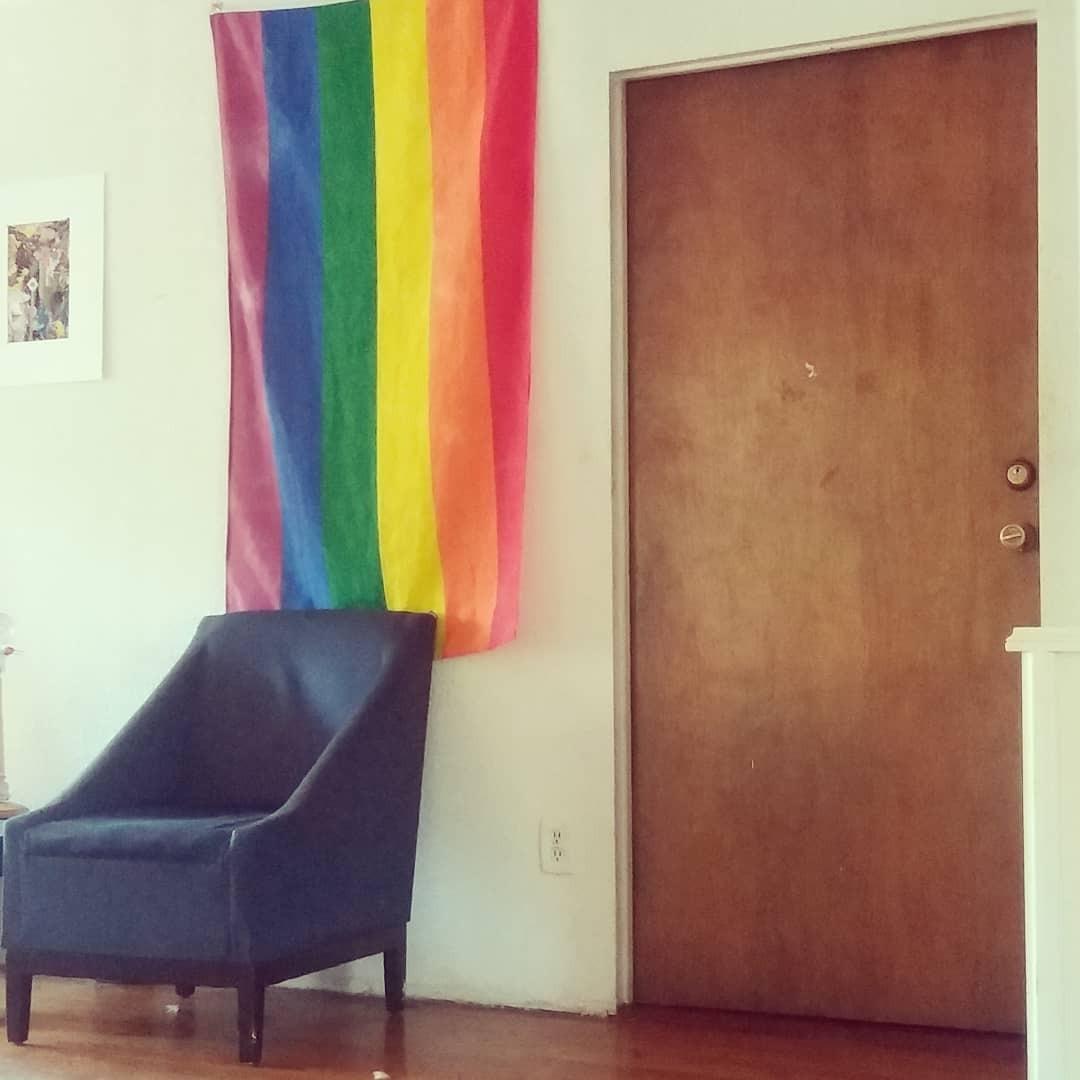 Imagen que contiene interior, cuarto, vivo, silla  Descripción generada automáticamente